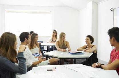 ResizedImage600399-NavitasEnglish-ManlyGallery-Classroom-835