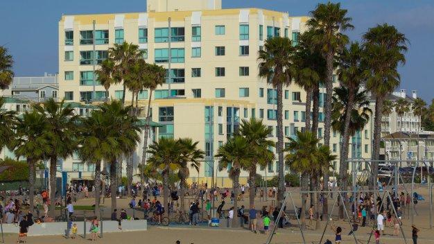 30853-Santa-Monica
