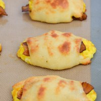 Keto Bacon Egg and Cheese Rolls