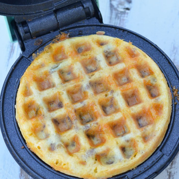 These Sausage Jalapeno Chaffles are the perfect low-carb snack to keep you energized today! Only 1.8 net carbs each and easy to meal prep!