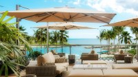 11 Best Large Cantilever Patio Umbrellas with Ideal Shade