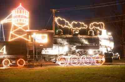 tanglewood lights train