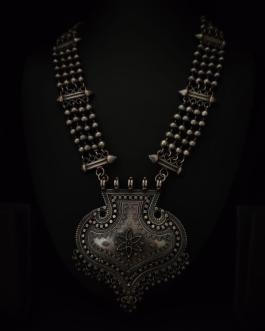 Rajwadi long necklace with Leaf shaped pendant
