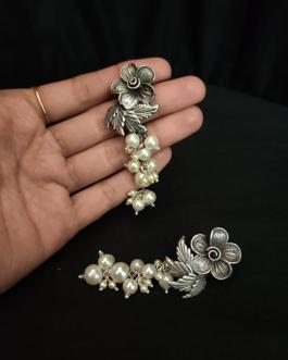 Flower studded pearl earring