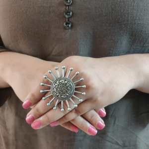Big rounded ring