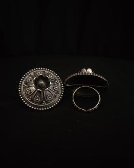 Silver look alike Traditional ring