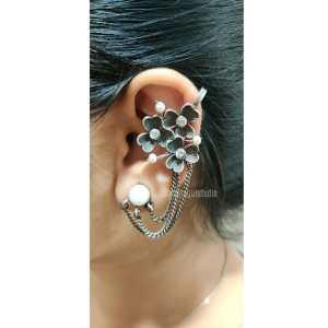 Silver look alike layered earcuff