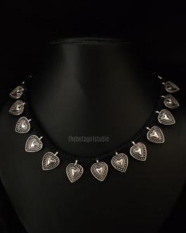 Leaf Threaded necklace