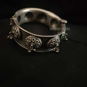 Ghunghro Broad Silver Look Alike Kada