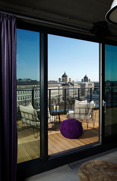 the-better-places-daydrinking-jessie-helena-schoeller-gloria-vonbronewski-wien-tel-aviv-25-hours-hotel-restaurant262808_206917549357050_6813288_n