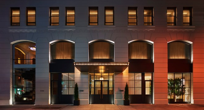 the-better-places-hotel-new-york-city-nyc-11-howard-design-boutique-schoeller-jessie-vonbronewski-gloria-schoeller-helena-reiseblog-travel-blogBuilding Exterior Kopie