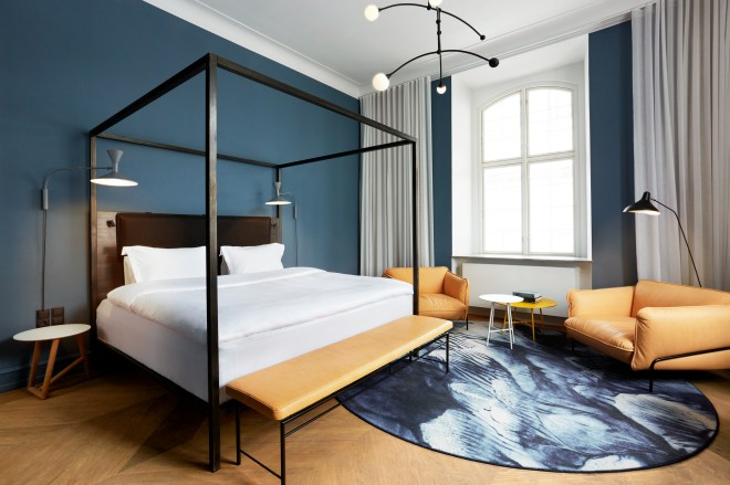 the-better-places-hotel-nobis-copenhagen-city-design-boutique-schoeller-jessie-vonbronewski-gloria-schoeller-helena-reiseblog-travel-blogNobis cph test room01 new 2883