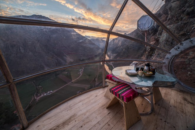 Thebetterplaces_peru_hotel_advanture_cliff_breakfastroom