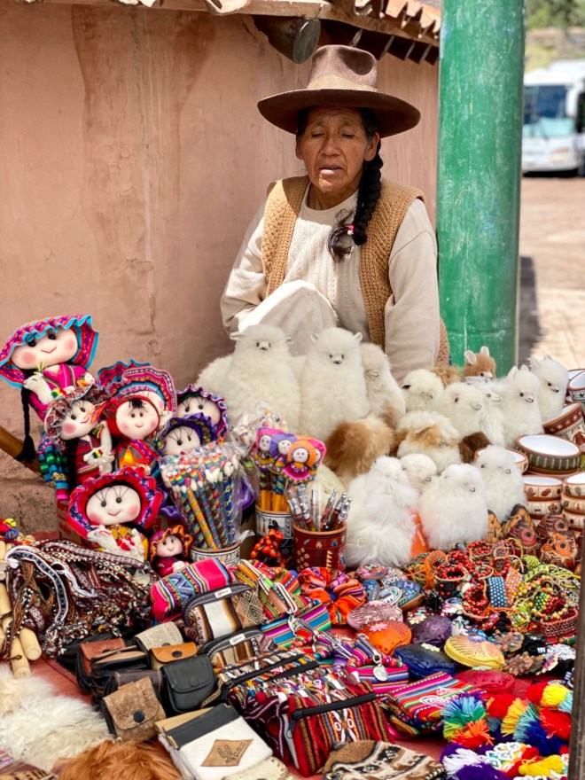 belmond_thebetterplaces_localmarket_peru_train.jpg