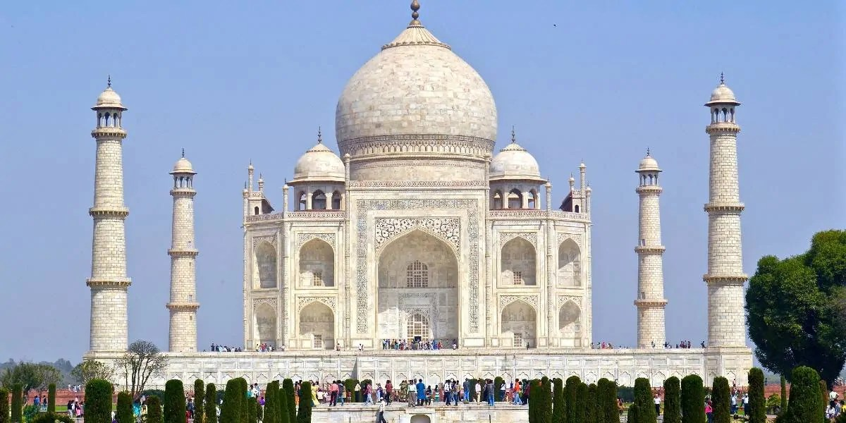 Visit Taj Mahal during first travel in India