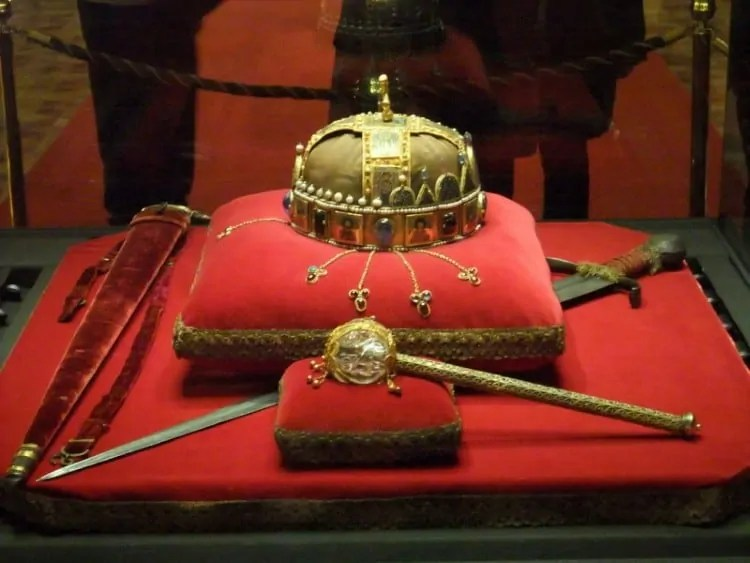 Crown Of St Stephen Budapest Parliament