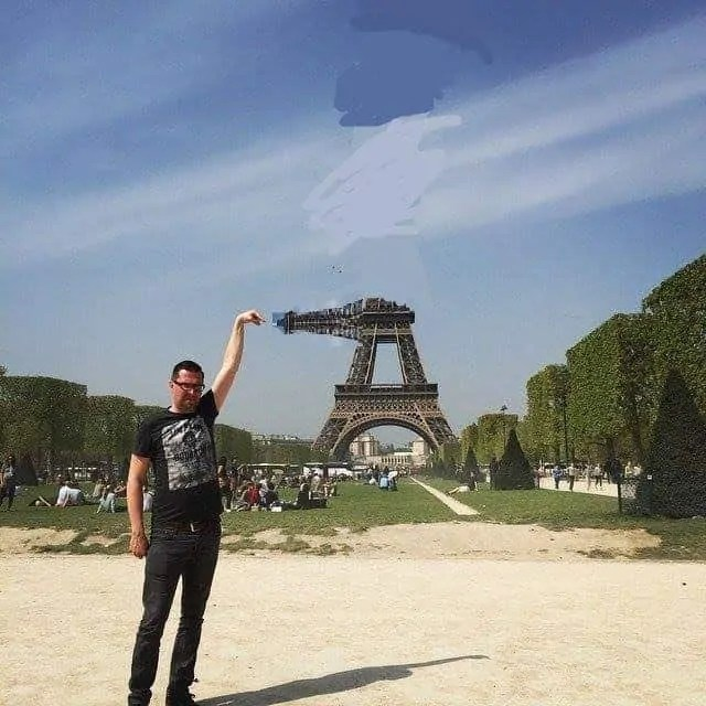 Good intention, but bad effort to help the Eiffel Tower finger guy