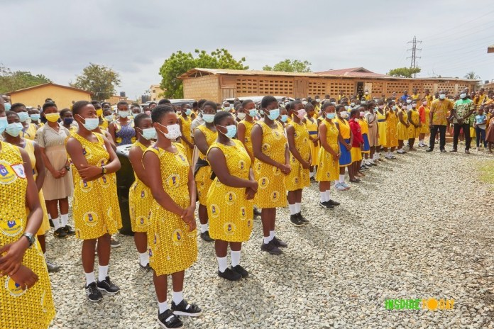 Stanbic Bank, Inspire Today donate sanitary pads to 1,000 teenage girls in public schools