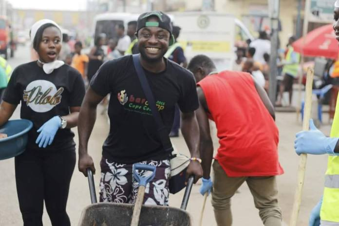 Ghanaians volunteer to support fellow citizens on National Volunteer Day 2021