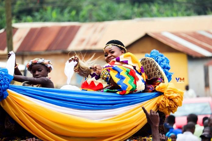 Ekumfi enstools Nana Araba Arhinfuwa III as Ankobeahemaa