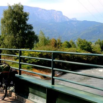 Scenery ever-more picturesque as Alps edge closer