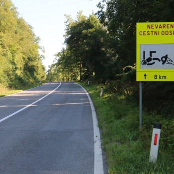 A worrying sign just after border. Is it warning motorists or encouraging them?