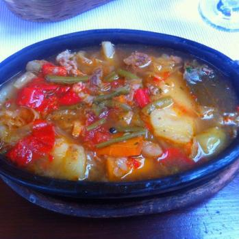 Bosnian stew: a delicious concoction of veg, potato, onion and pepper. It could do with a touch more herbs & spice, however.