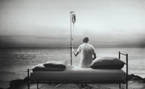 Black/white photography of a patient