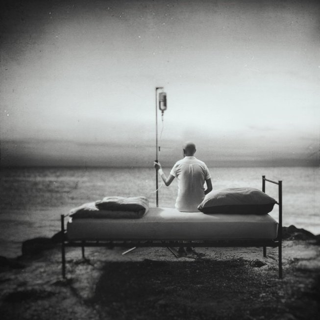 Black/white photography of a patient (Euthanasia)