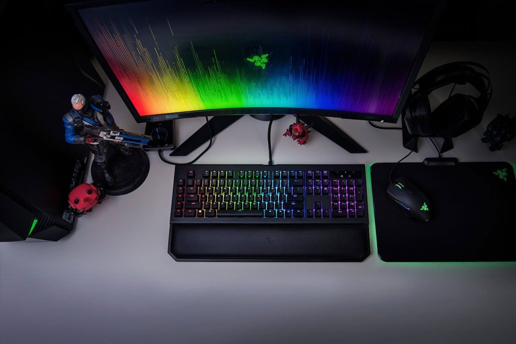 Razer BlackWidow X TE Chroma and ChromaV2 Comparison