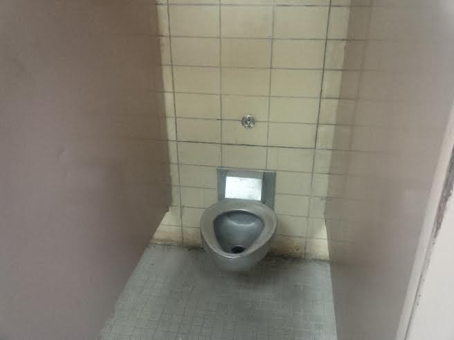 orange is the new black prison toilet