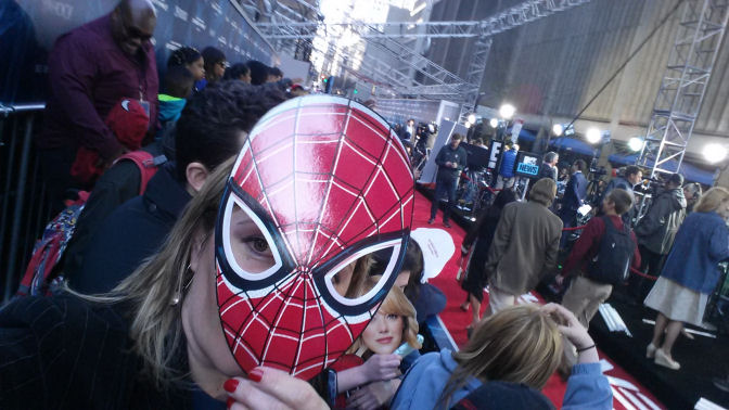 the-amazing-spider-man-2-nyc-premiere-mask