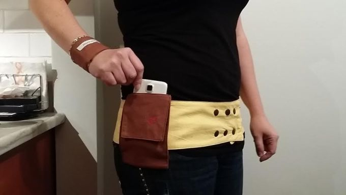 hip hugger holds my cell phone securely