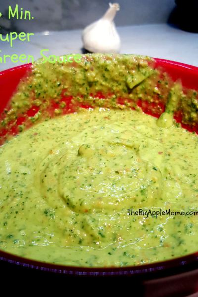 Mama's Superfood 5-Minute Green Sauce