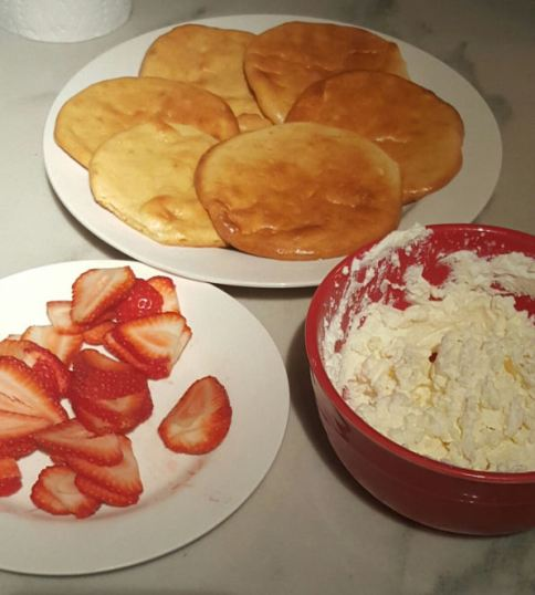 Ingredients for low carb strawberry cheesecake dessert made with cloud bread