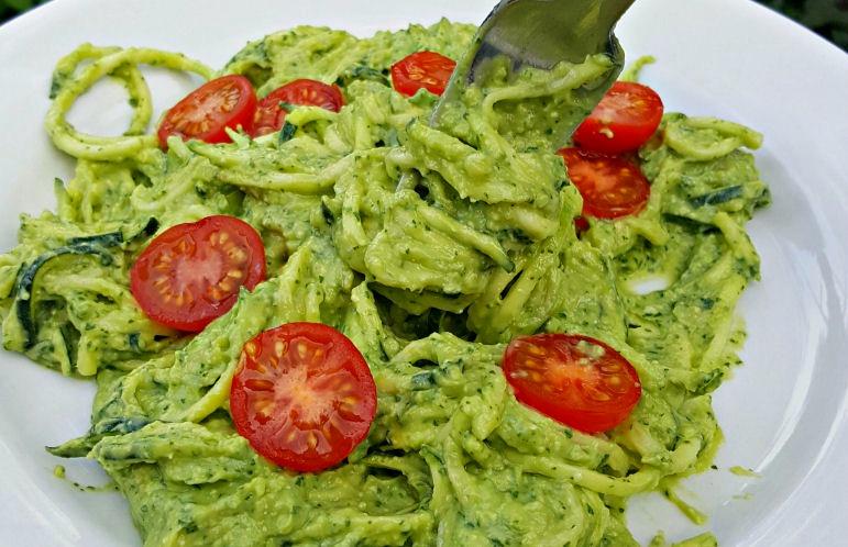 creamy avocado pesto zucchini