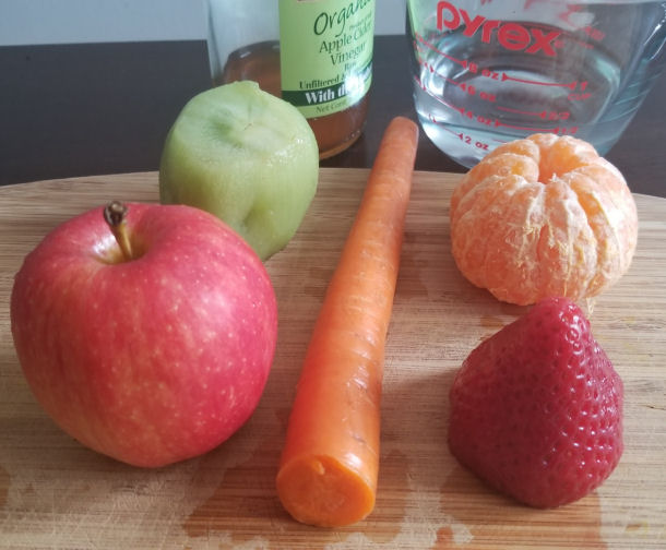 Ingredientes for detox and immune boosting smoothie