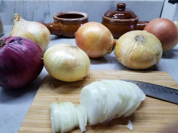how to cut onions for french onion soup