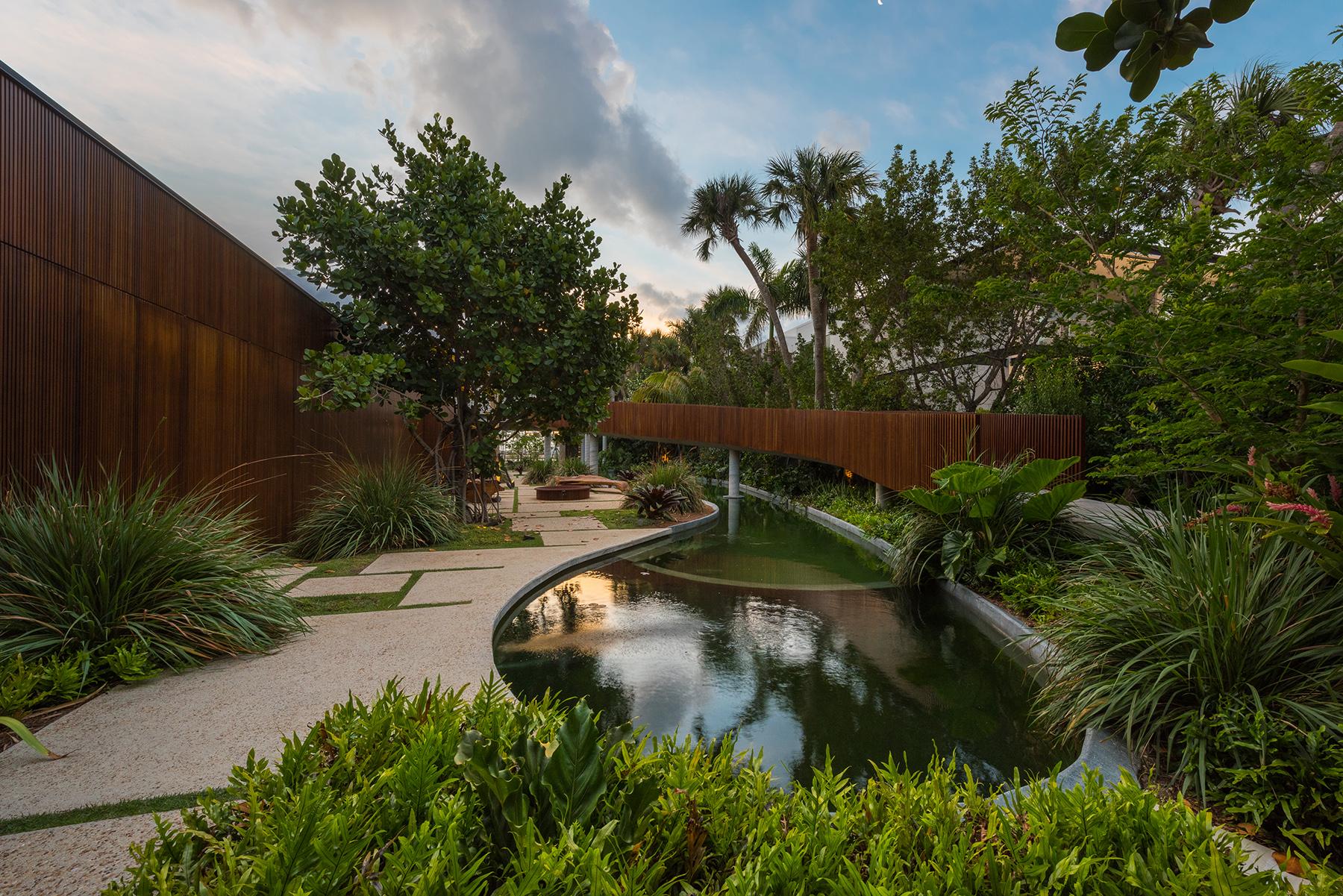 Nobody Wants to Spend $30 Million on This Avant Garde Miami Beach ...