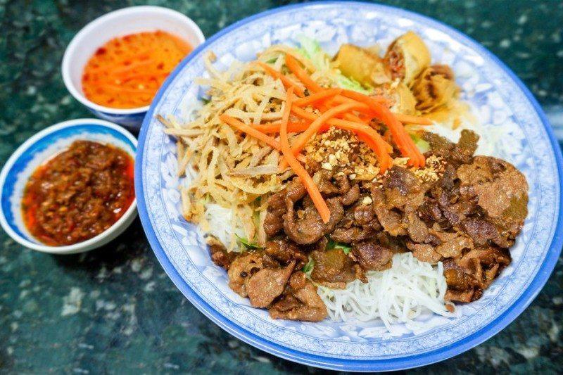 Ten top dishes to try in Vietnam