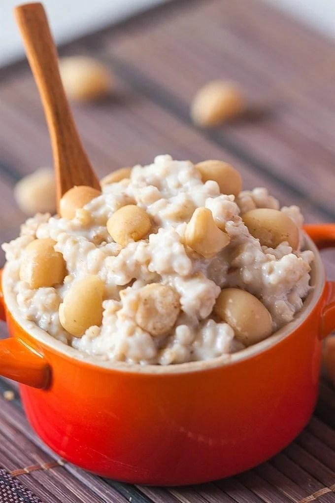 Healthy White Chocolate And Macadamia Oatmeal Pudding