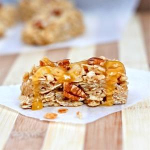 No Bake Caramel Pecan Granola Bars (Gluten Free)