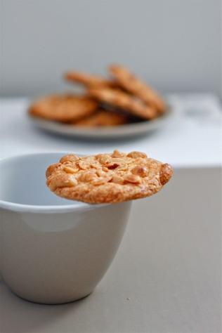 Crispy Flourless Peanut Butter Cookies (Gluten Free)