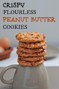 Crispy Flourless Peanut Butter Cookies- Just FOUR ingredients are needed to make these delicious, simple and crispy cookies- #glutenfree and #vegan option too! -thebigmansworld.com
