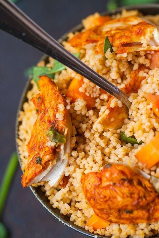 Healthy One Pot Couscous Paella- Have a meal ready in under 20 minutes with this delicious and healthy one pot couscous paella!  Perfectly customisable- Add your favourite protein and veggies of choice! gluten free too! @thebigmansworld.com -thebigmansworld.com