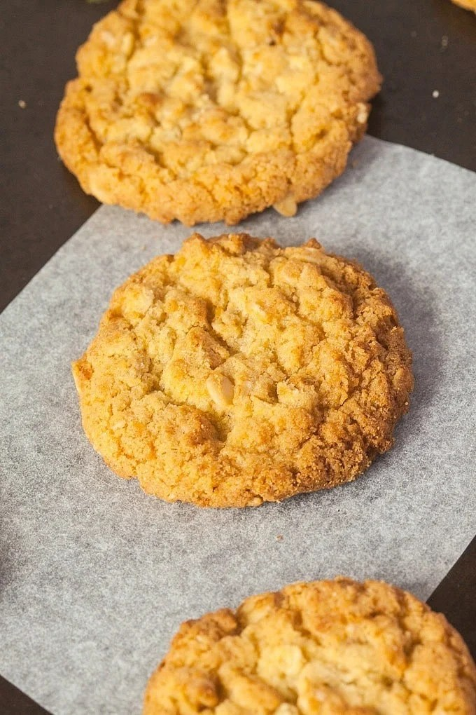 Sugar Free Anzac Biscuits- The iconic Australian cookie gets a healthy makeover- #vegan #glutenfree granulated #sugarfree and a short ingredient list! Super simple, crispy and the perfect snack or dessert! -thebigmansworld.com @thebigmansworld.com