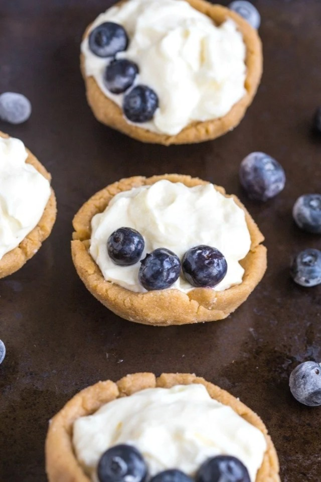 Healthy No Bake Cheesecake Cups- Customisable, easy yet SO impressive! {vegan, gluten free and paleo} @thebigmansworld- thebigmansworld.com