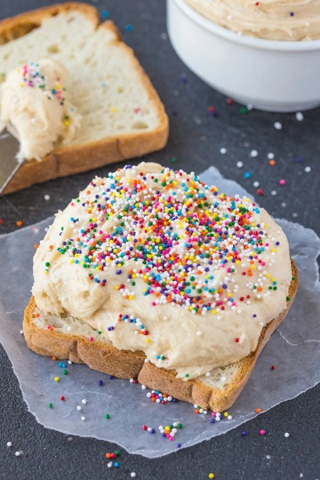 Healthy Low Carb Cake Batter Spread- Quick, easy and packed full of protein, this delicious spread recipe is perfect for sandwiches, fruit or as a dip- No butter, oil, flour or sugar! {vegan, gluten free, paleo option}