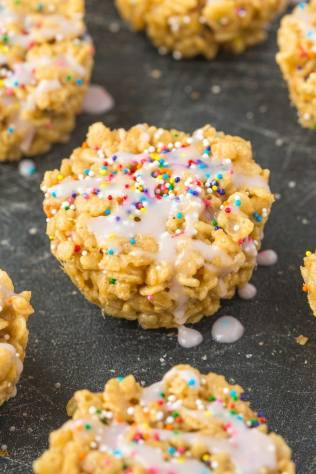 Four EASY ingredients to make these healthy CAKE BATTER Rice Crispy Treats with NO butter, oil or marshmallows- So easy and protein packed! {vegan, gluten free, high protein recipe}