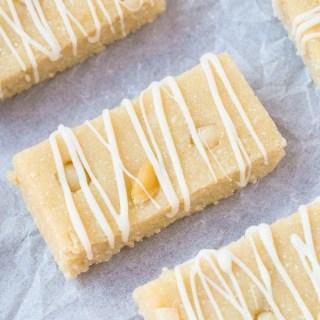 Healthy No Bake White Chocolate Macadamia Nut Protein Bars
